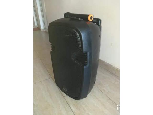 Boxă portabilă bluetooth
