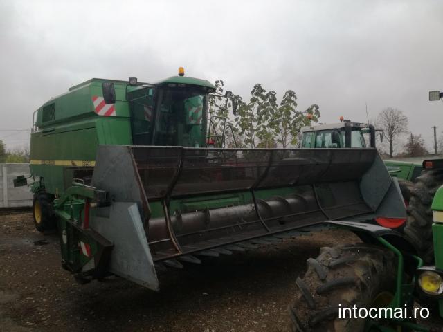 Combina agricola John Deere 2256, AC, header 5,50 metri, motor JD 240 CP + carut transport