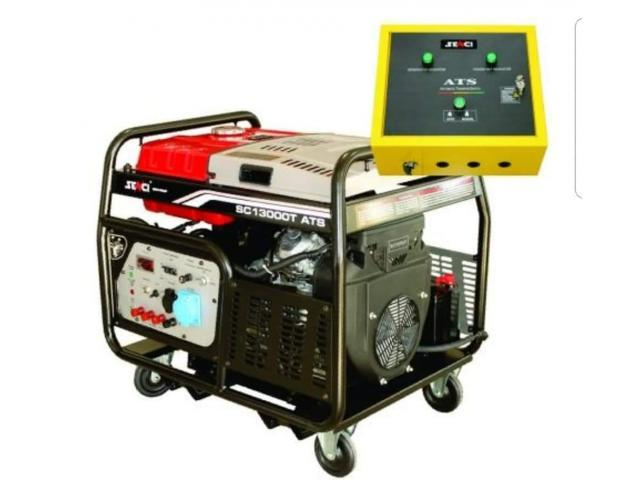 Generator electric trifazic