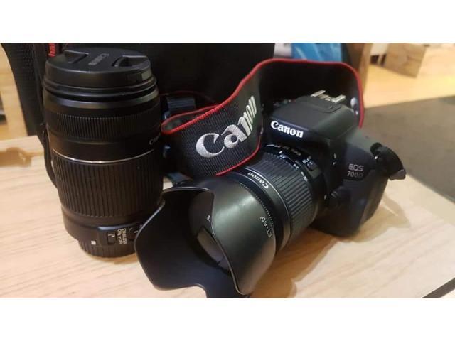 Aparat foto DSLR Canon 700D