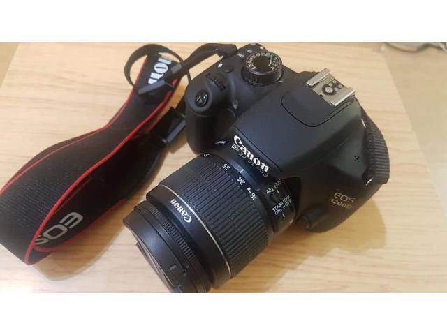 Aparat fpto DSLR Canon 1200D