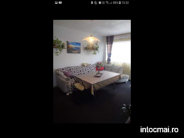 vand apartament 3 camere decomandate 95mp2 Piata Somes