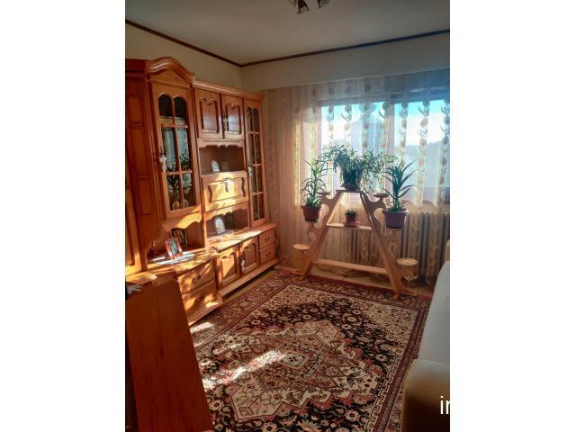 Apartament 3 camere - 2 băi + garaj + boxă tip cramă