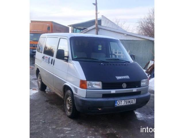 VW Transporter 8+1, an 2001, motor 2.5TDi, permis cat. B