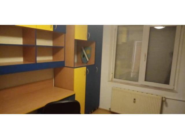 Inchiriez apartament 3 camere decomandat