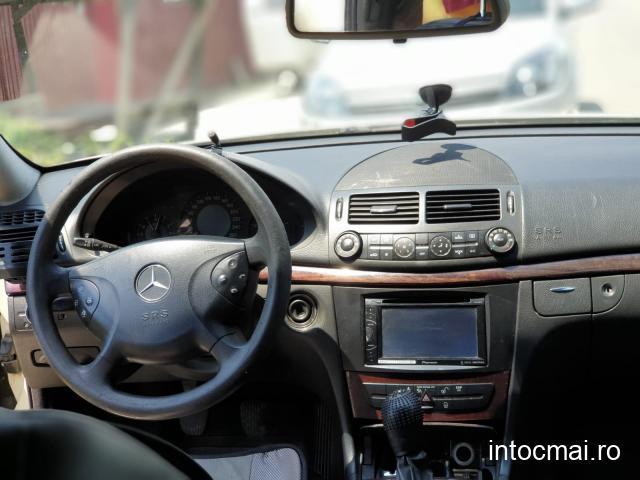 Vând Mercedes W211 E-Class