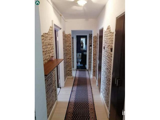 Vând apartament 3 camere decomandat 95 mp